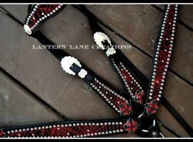 red-spiderweb-tack-set