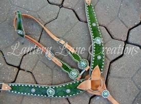 tack-set-green-leaf