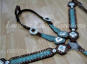 tack-set-turquoise_website_1